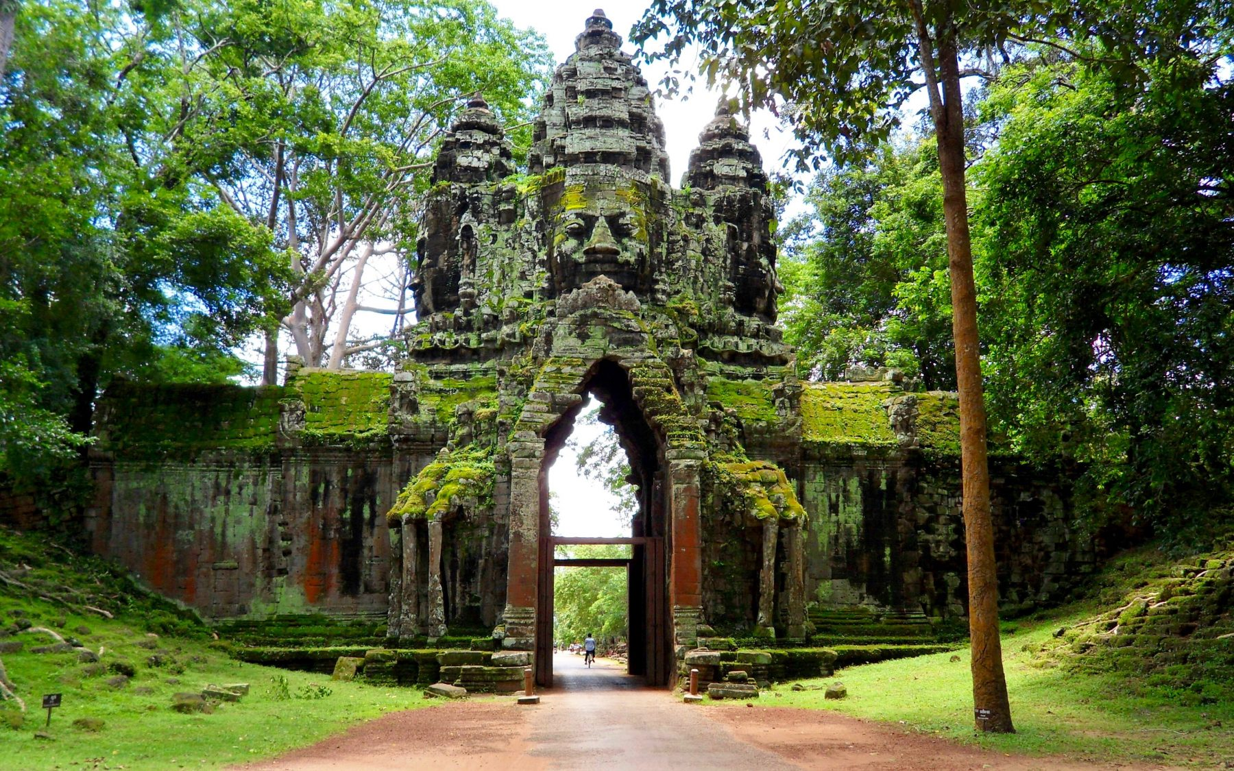 Must See Temples Getting Our Tomb Raider On At Angkor Wat