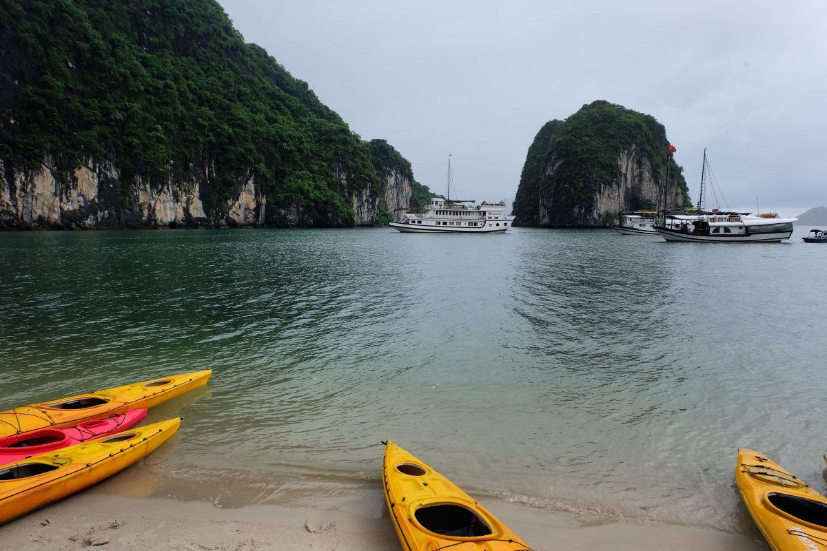 Bai Tu Long Bay Cruise: Visit Halong's Stunning Neighbouring Bay